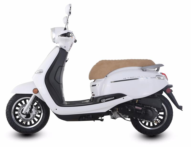 TrailMaster Turino 50cc Scooter