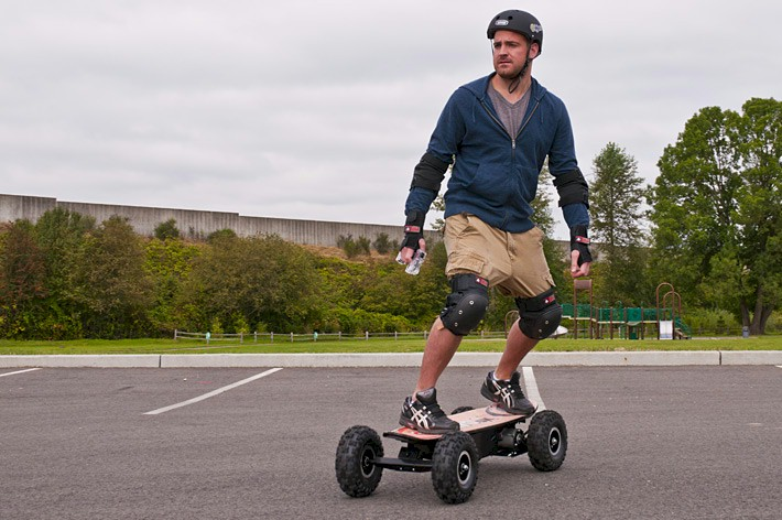 e moto em80 electric motorized skateboard. Black Bedroom Furniture Sets. Home Design Ideas