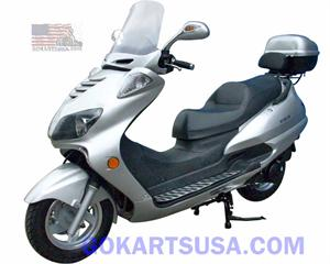 Roketa MC-68A 150 Moped Scooter