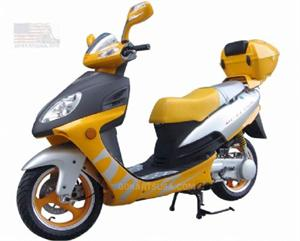 Roketa MC-04 Fiji 150 Moped Scooter